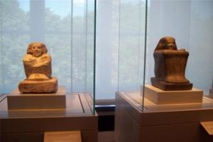 قطعة أثرية مصرية تعرض بسنغافورة