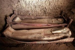 اكتشاف 45 مقبرة فرعونية أثرية في الفيوم