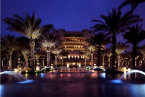 Ritz-Carlton to manage iconic hotel in Oman