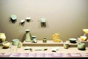 آلاف القطع الأثرية في الصحراء العربية