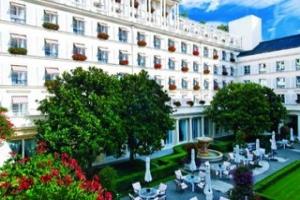 فندق «لو بريستول» القصر الباريسي