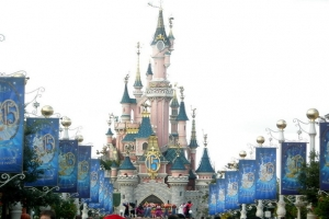 Disneyland Paris : le parc va accueillir une comp�tition de basket