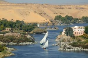 مصر تطلق حملاتها الترويجية لجذب السياحة العربية