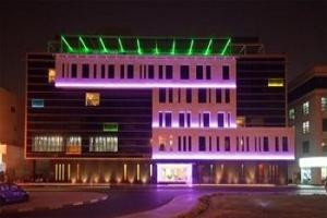 عروض فندق 'هيوز بوتيك' دبي