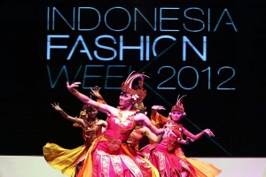 Indonesian Fashion Week Spotlights Local Flair