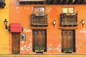 تعرف على «طريق ماكوندو» الكولومبي الخرافي