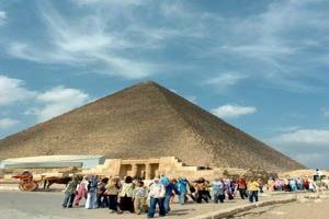 سياحة مصر تسعى لجذب السياح الماليزيين