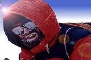23 Climbers Summit K2 / Pakistan