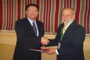 IIPT Signs MOU with World Tourism Organization