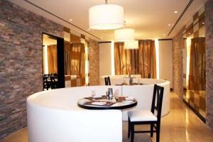 فندق رامادا عجمان: عروض مثيرة