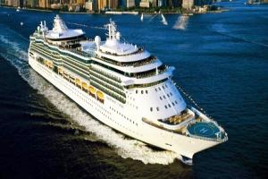 جديد السفينة السياحية 'سيريناد أوف ذا سيز'