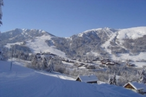 Vacances d'hiver : Plus de départs, moins de dépenses
